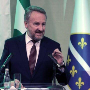 Izetbegović poručio Milanoviću i Plenkoviću: Hrvatska se ne treba miješati u naše poslove