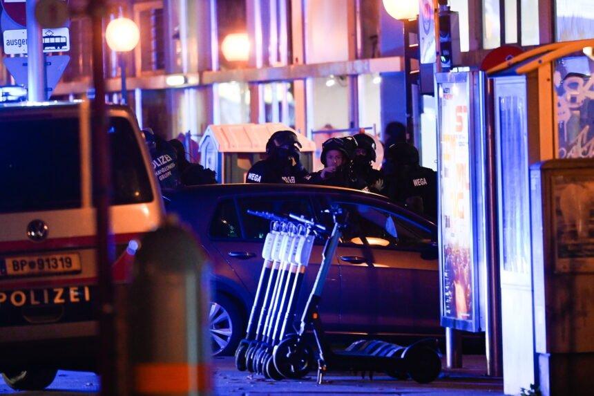 Teroristički napad u Beču: Austrijski mediji pišu o mrtvima i ranjenima