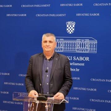 Miro Bulj: Ilegalni migranti prijete po Gorskom kotaru, a Plenković i Božinović šute