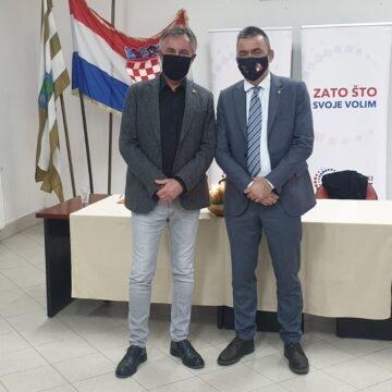 Stipo Mlinarić Ćipe poručio iz Vukovara: Ovdje sam se borio u Domovinskom ratu, a  borit ću se i 2021.