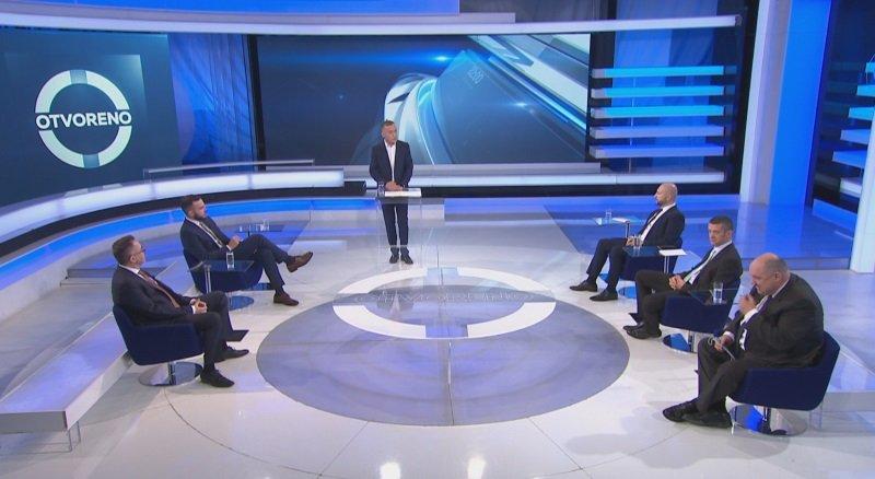 Teške optužbe na račun ministra Ćorića: Na sastancima je uglavnom gledao u svoj mobitel