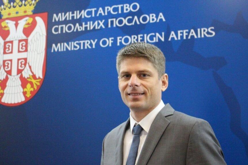 Ekstremni desničar kojeg Srbi obožavaju: Tko je Francuz Arnaud Gouillon koji će se brinuti o Srbima u dijaspori
