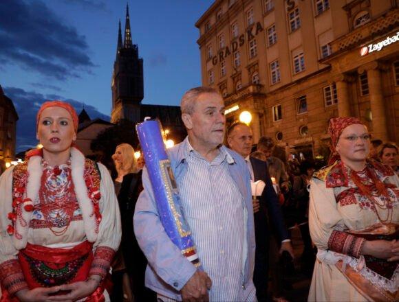 Doktor Goluža definirao bandićizam s kojim se treba obračunati: Ujutro veliča Tita, a poslijepodne nosi svijeću u procesiji