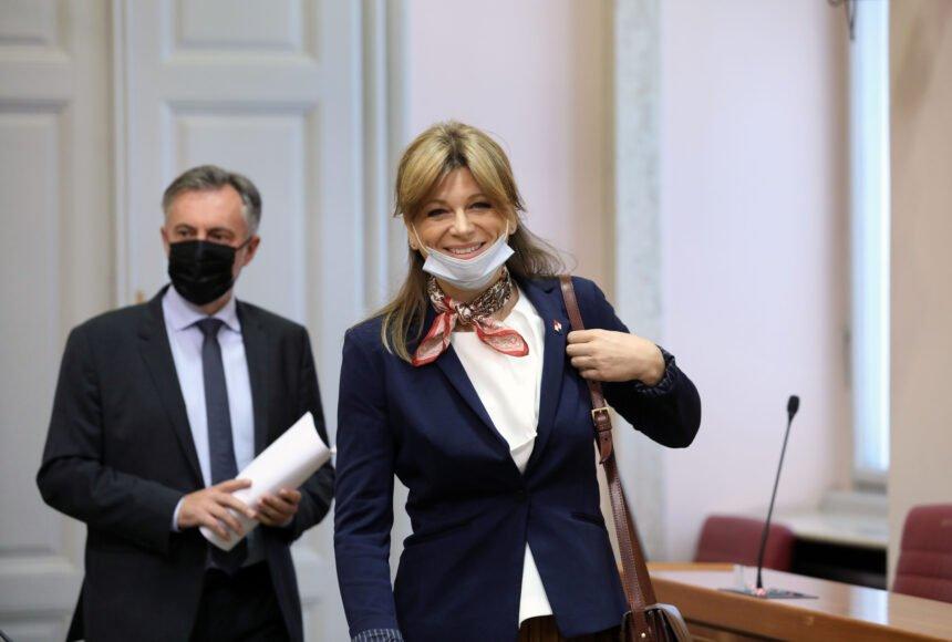 Karolina Vidović Krišto pita ministra Božinovića: Je li istina da policajac koji je tukao Bad Blue Boyse navija za Crvenu zvezdu