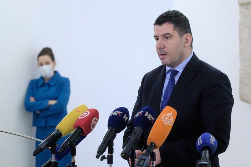 Grmoja optužio Plenkovića da se ponaša kao Vučić pa otkrio: Izaslanstvo HGK je na ekskurziji u Dubaiju