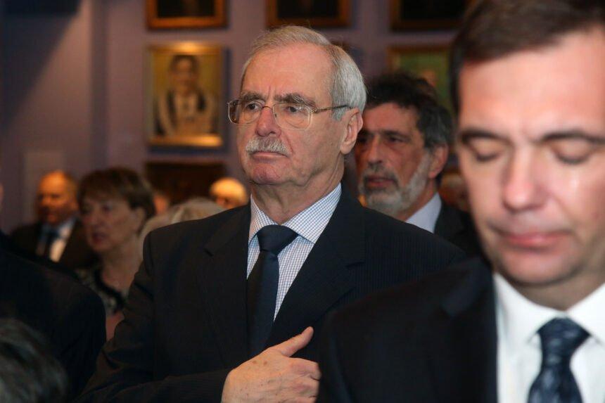 """Sve ostaje u """"HDZ-ovoj obitelji"""": Kako je Krunoslav Capak omogućio Andriji Hebrangu da dobro zaradi na iglama i špricama"""