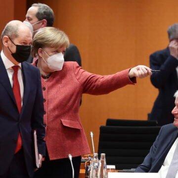 Kako je Vlada Angele Merkel zastrašivala svoje građane s koronom: U nečasnom poslu imala je potporu medija i znanstvenika