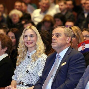 REKONSTRUKCIJA POSLJEDNJIH SATI ŽIVOTA MILANA BANDIĆA: Je li prekasno pozvana Hitna pomoć? Zašto je doktor Redžepi obmanjivao hrvatsku javnost?