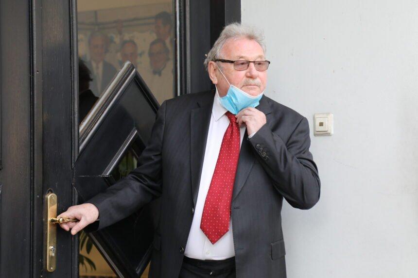 HDZ-ovac se javno ograđuje od Šeksa: Evo što je rekao o opozivu predsjednika Milanovića