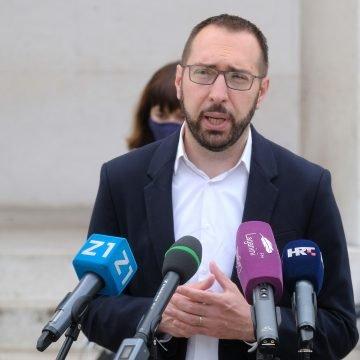 Počela primopredaja vlasti u Zagrebu, Tomašević kasnio jer je čekao Hitnu pomoć za ženu kojoj je pozlilo