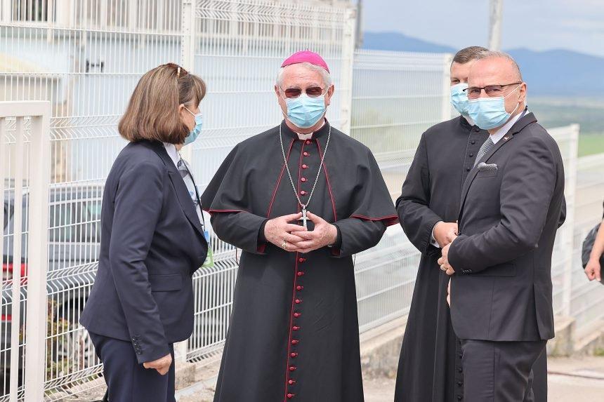 Biskup upozorio na nevjernike koji osuđuju  molitvu za žrtve Bleiburga: Nema tog pokojnika za kojeg se ne smije moliti