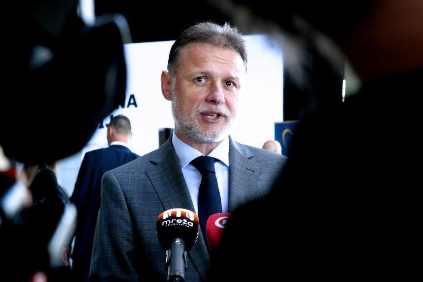 Novinarka vjeruje profesorici Zadravec i pita Jandrokovića: Kako borba protiv korupcije u zdravstvu može štetiti HDZ-u?