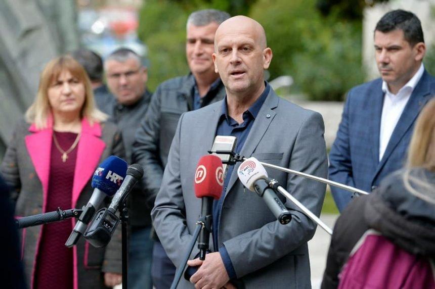 Pisao ratnom zapovjedniku generalu Krstičeviću: Kako možete i dalje podržavati  korumpiranu politiku HDZ-a
