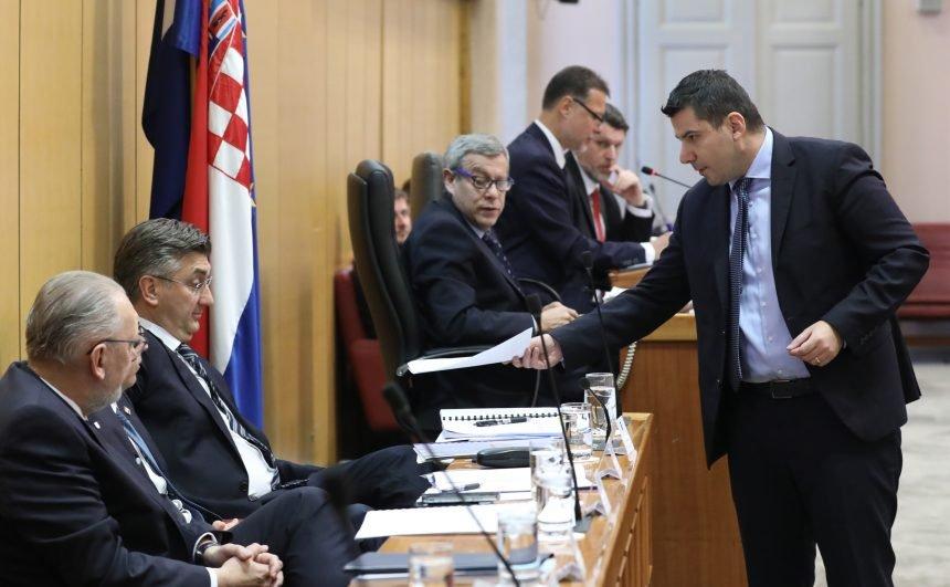 Vladajući oštro uzvratili Grmoji: Koji licemjer! Most u Splitu koalira s Možemo, pa sad lažno optužuje HDZ