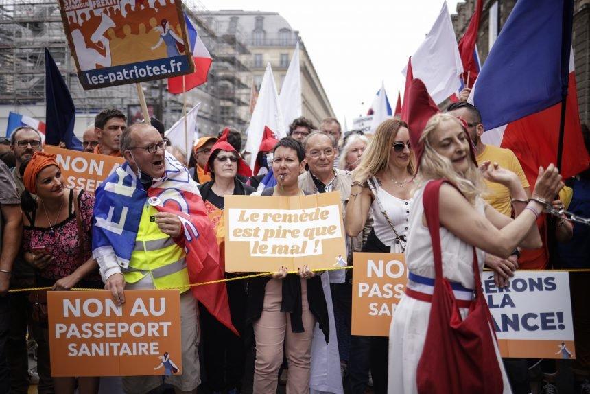 Francuzi prosvjeduju protiv obveznog cijepljenja: Macron nije vladar našeg tijela
