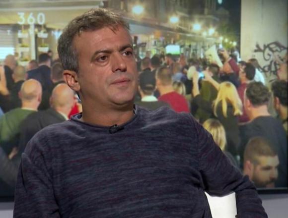 Srpski glumac optužio hrvatske navijače u Mostaru: Netko je razbio prednje staklo, izrezao gume, nožem krov