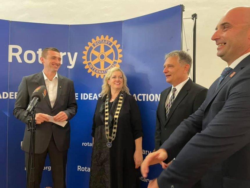 Penava objavio da je u Vukovaru osnovan Rotary klub: Je li očekivao ovako negativne komentare?
