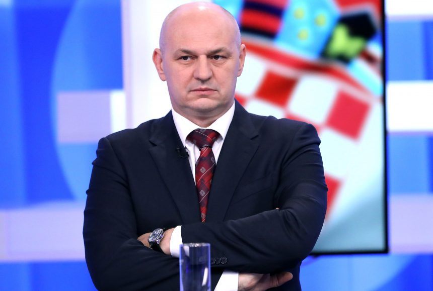 Faktograf optužuje eurozastupnika Mislava Kolakušića: On širi antivaksersku propagandu