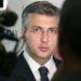 Suptilna poruka: Sumnja li Plenković da bivši ministar policije Ranko Ostojić stoji iza svastike na Poljudu?